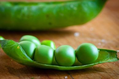 Sweet Pea Bruschetta with Lime Toast-7958