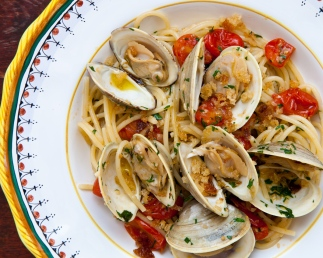 Spaghetti and Clams with Toasted Breadcrumbs-8119