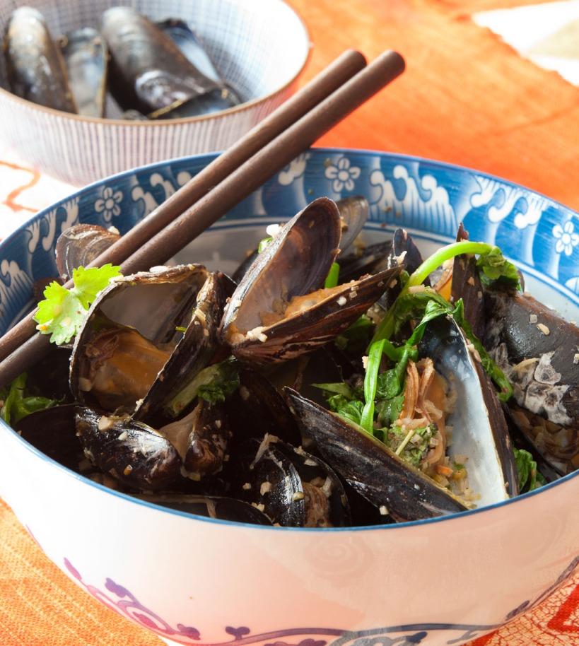 Grilled Mussels with Coconut Curry Broth-1