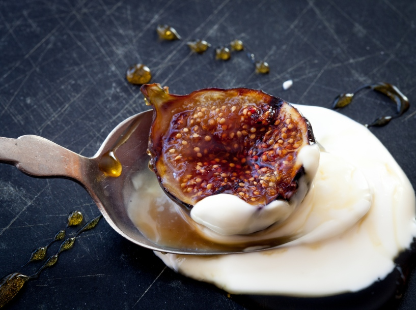 Grilled Figs with Creme Fraiche and Chestnut Honey-1