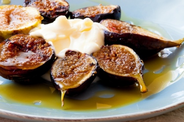 Grilled Figs with Creme Fraiche and Chestnut Honey-16