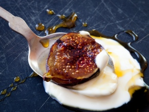 Grilled Figs with Creme Fraiche and Chestnut Honey-18