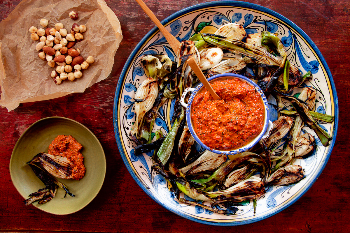 A patio of one's own – Grilled Spring Onions with Romesco