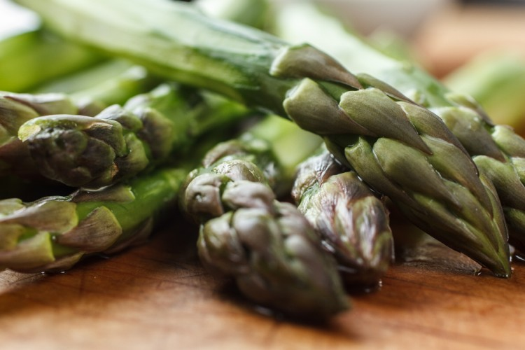 Asparagus with Horseradish Cream-1815