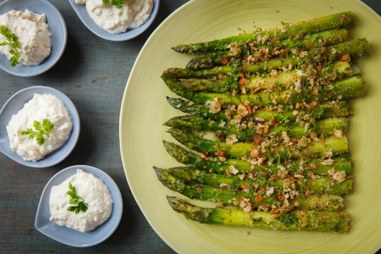 Asparagus with Horseradish Cream-1875-2