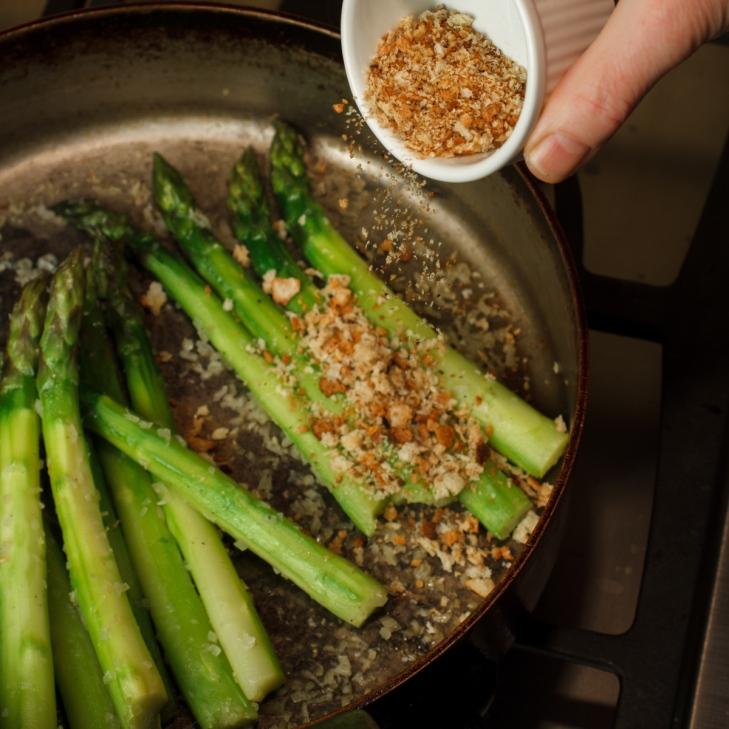 Asparagus with Horseradish Cream-2033