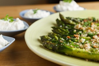 Asparagus with Horseradish Cream-2057
