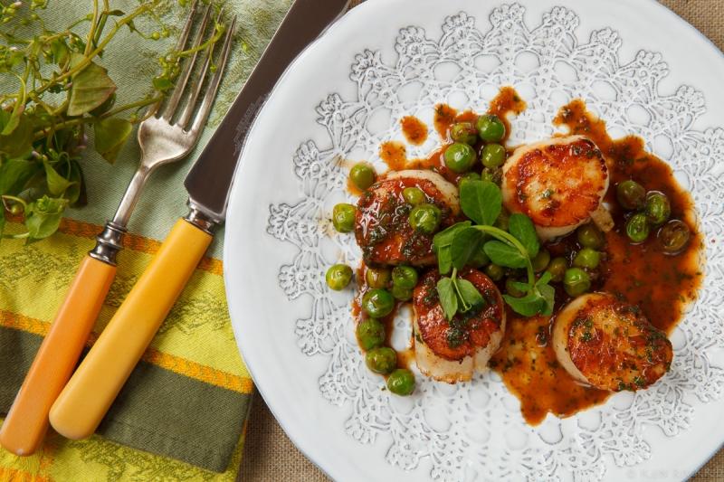 Scallops, peas and chervil-0054