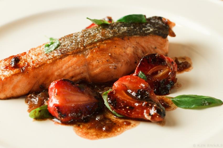 Salmon with Strawberries-6824