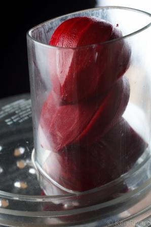 Beet-cured gravlax-7816