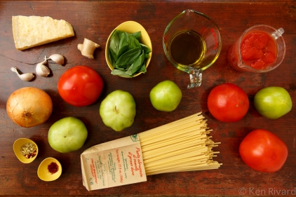 Bucatini with Red and Green Tomatoes-0360