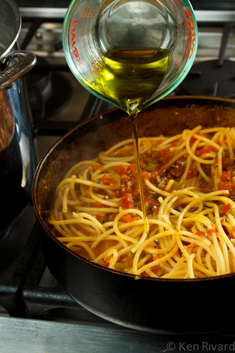 Bucatini with Red and Green Tomatoes-1034